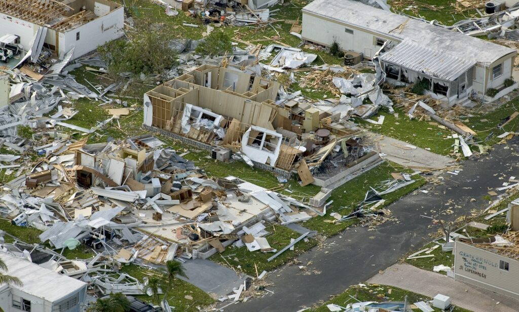 This image has an empty alt attribute; its file name is Effects_of_Hurricane_Charley_from_FEMA_Photo_Library_7-1024x616.jpg